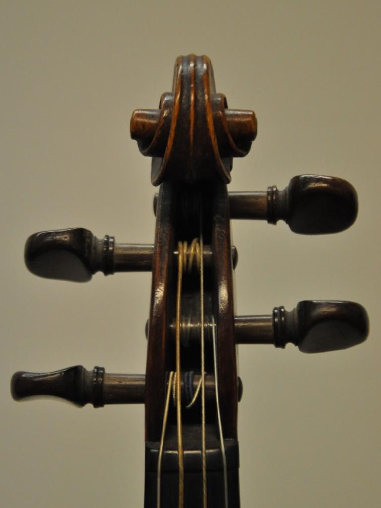 barockvioline-m-hatting-23-schnecke-front