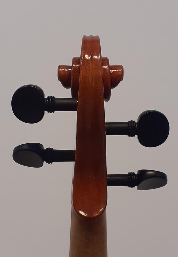violine-maggini-klein-schnecke-retro